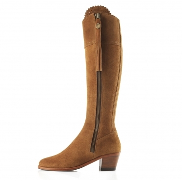 Sporting Fit Heeled Regina Womens Boots